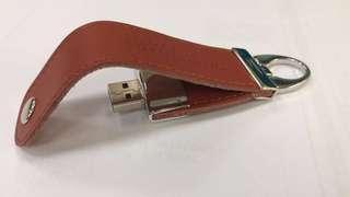 USB 真皮匙扣 (記憶容量-15G)