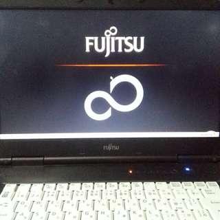 fujitsu 17inches core i3
