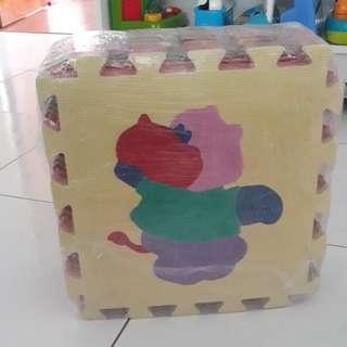 14 pieces of Puzzle mat/ puzzle carple