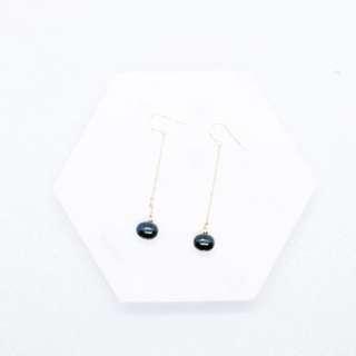 墨 色 淡 水 珍 珠 耳 環
