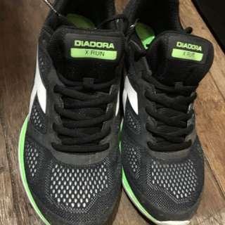 Diadora Running Shoes