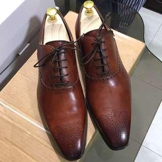 Magnanni Cognac Medallion Shoes