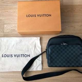 Louis Vuitton Dayton Reporter PM (Damier Graphite)