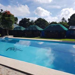 Monlyn's Private Pool. Exclusive resort in Tagaytay
