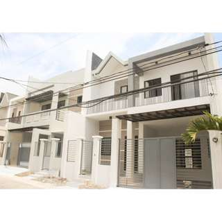 Brand new triplex house and lot in Bf resort Village near Starmall Las Pinas and University of Perpetual Help