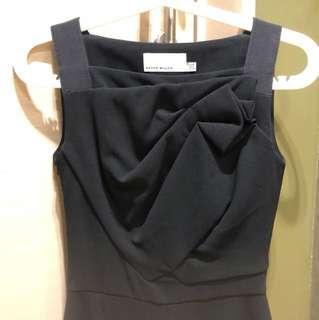 着一次:Karen Millen black dress