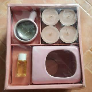 Aromatheraphy set. Include oil burner