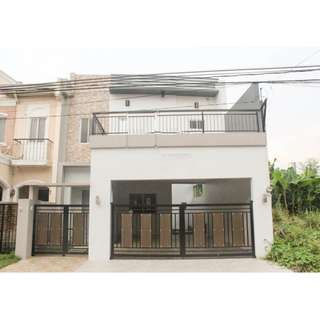 RENOVATED 2 STOREY SINGLE ATTACHED HOUSE IN BF RESORT VILLAGE LAS PINAS CITY