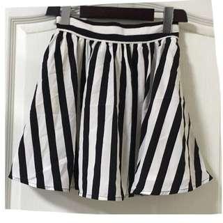 🚚 日本品牌 古著 黑白條紋雪紡裙