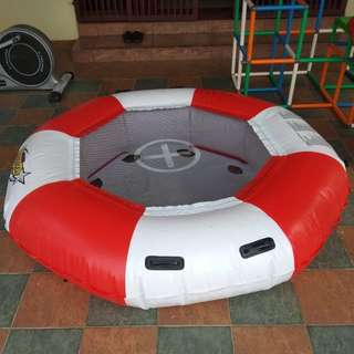 Trampoline inflatable. Atomic bouncer