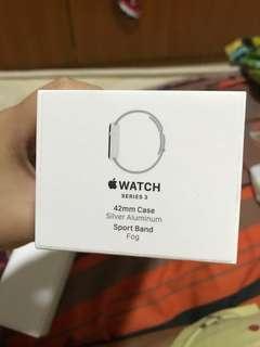 Apple Watch series 3 42mm Case Silver Alumnium Sport Band