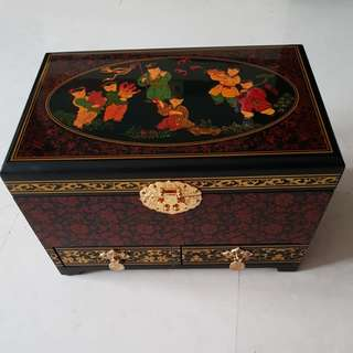 Brand New Vintage Jewellery Box