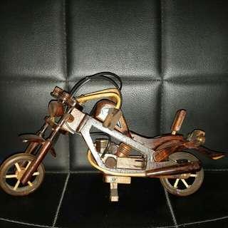 Motor antik replika