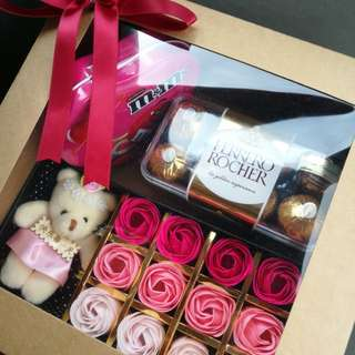 Soap flowers gift box