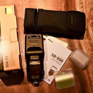 Nikon SB900