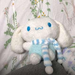 玉桂狗(日語:シナモロール,英語:Cinnamoroll),又名大耳狗,是日本三麗鷗的卡通人物之一,於2002年面世。該角色由人物設計師奧村心雪所設計的 大耳朵 喜拿