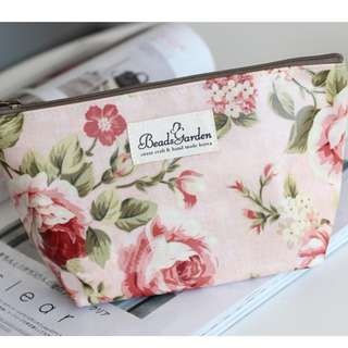 Vintage Floral Make-Up Pouch