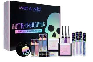 Wet N Wild Goth-o-graphic Spring 2018 with a holographic edge