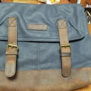 Renoma Sling Bag