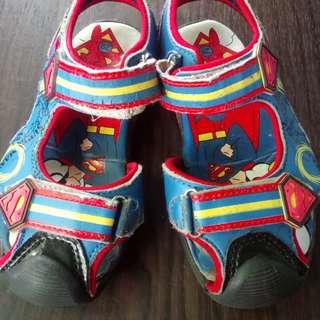 Sendal Sepatu Superman
