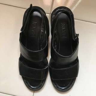 KLYN Black Sandals