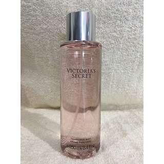 Victoria's Secret So In Love Fragrance Mist / Brume Parfumee 250 ml