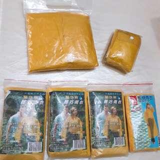 🚚 [贈品]黃色輕便雨衣