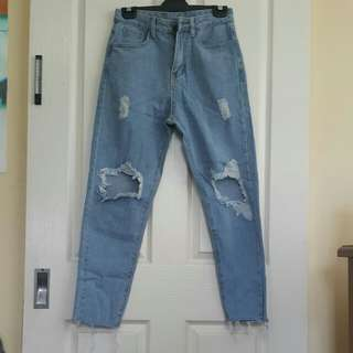 High waited, Distressed Mom Jeans