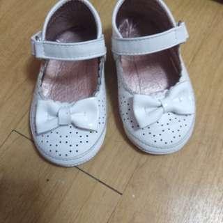 Girl baby shoes (meet my feet)