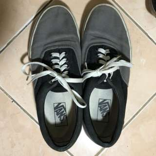 Vans Gray and Black Sneakers (Unisex)