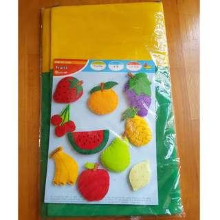 Felt Bag Fruit & Teaching cloth from Growing Fun