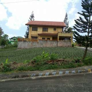 CORNER LOT FOR SALE in Tagaytay Executive Village