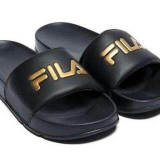 sepatu/sendal FILA