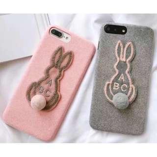 手機殼IPhone6/7/8/plus/X : 可愛兔兔毛球