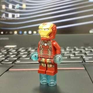 LEGO 76105 MARVEL INFINITY WAR: THE HULKBUSTER ULTRON EDITION - Exclusive Iron Man 2018 MK43