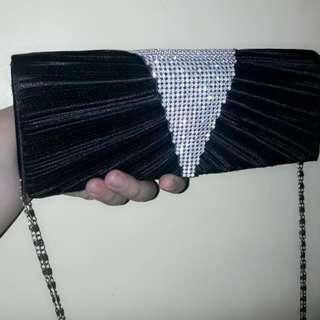 Elegant hand bag/sling bag 2 way