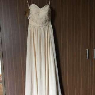 Beautiful full length cream strapless dress with built in bra