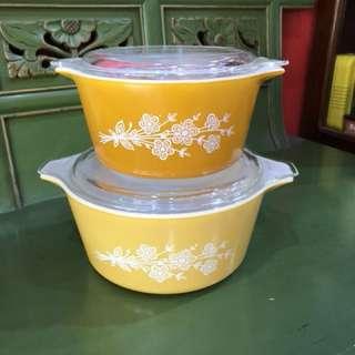 Set of 2 Vintage Pyrex Butterfly Gold