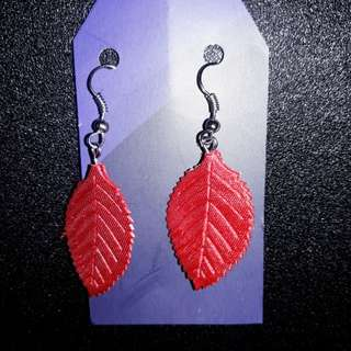 Anting Gantung Daun