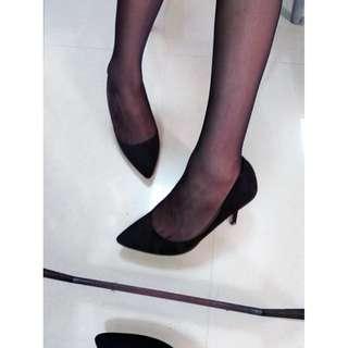 h&m 黑色絨質上班跟鞋 NT430