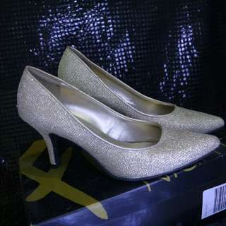 GOLD HEELS LEGIT CONDITION