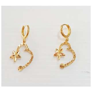 Dangling gold plating Earrings.