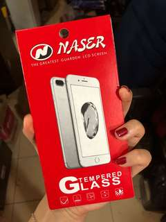 Gratis * Iphone 7+ TEMPERED GLASS