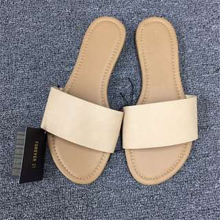 Forever21 Slippers in almond