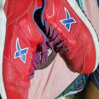 For sale Xtep runing shoe