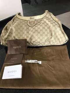 Pre-loved - 💯 Authentic GUCCI ladies handbag