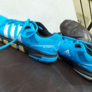 Sepatu bulutangkis adidas type QF 7 uk 40