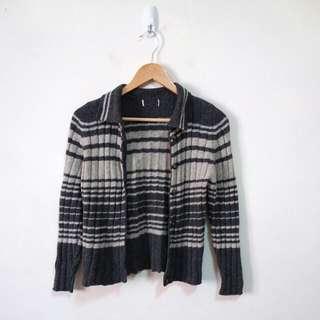 混羊羔毛橫條針織外套