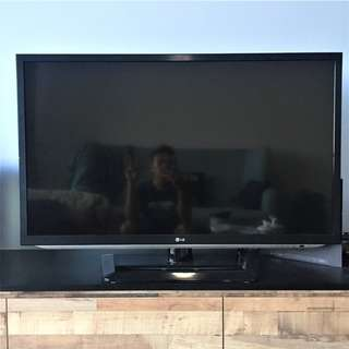 "LG 42LM5800 42"" Multi-System 3D LED TV"