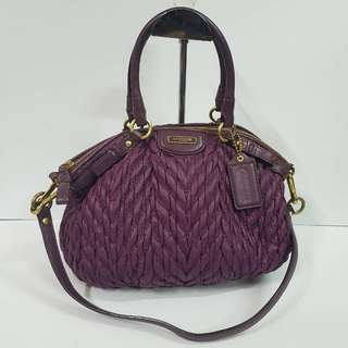 AUTHENTIC COACH MADISON GATHERED LINDSEY 2WAYS BAG MADD IN CHINA VERY GOOD CONDITION RM5XX COD KOTA BHARU http://www.wasap.my/60148363708